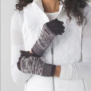 NWT Lululemon Divinity Gloves